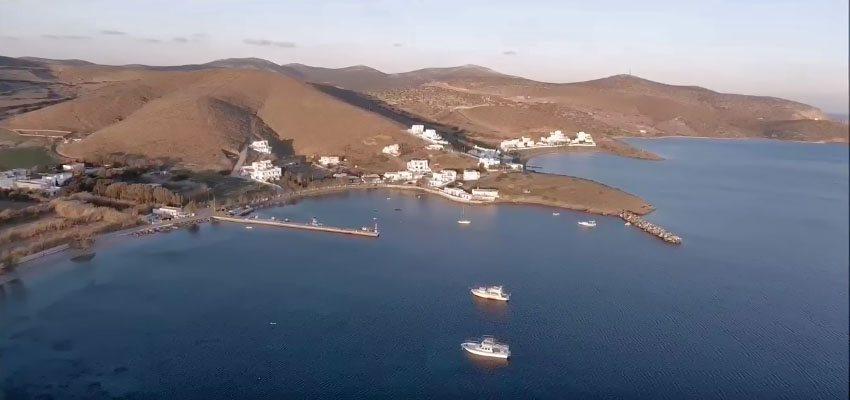 «Πετάξτε» πάνω από το γραφικό λιμάνι της Μαλτεζάνας και τον Σχοινώντα!