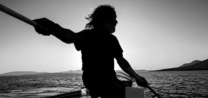 Ψαράδες της Αστυπάλαιας – Φωτογραφική έκθεση του Julien Guidicelli